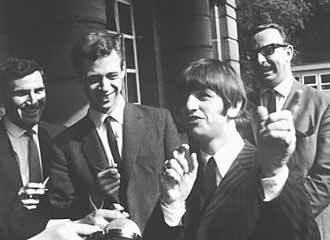 Following The Completion Of Beatles 1965 Tour North America Weary Group Took Month September Off To Relax And Enjoy Home Life